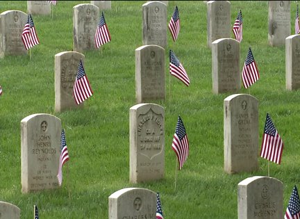 Fallen Hoosiers honored at Crown Hill Cemetery