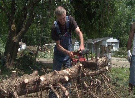 Peru residents begin cleaning up after EF-1 tornado