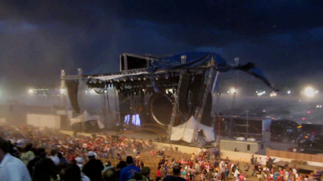 stage collapse scene