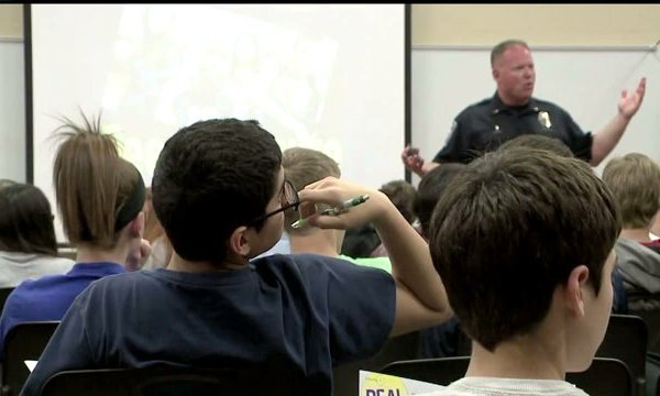 Resource officers get more training to help keep Indiana students safe