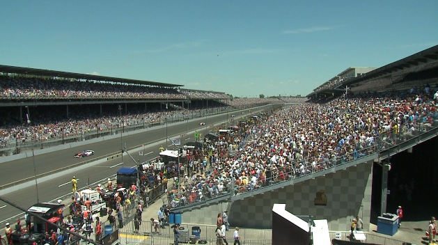 INDIANAPOLIS 500 WIDE SHOT