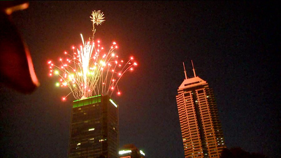 fireworks-off-chase-tower