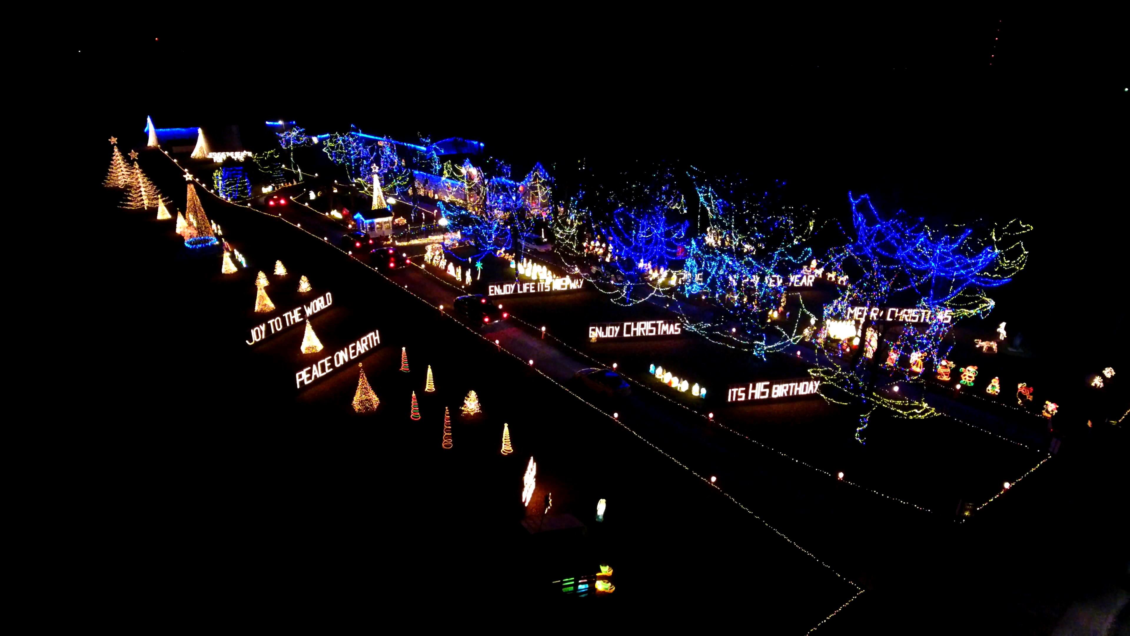 Tpa Park Christmas Lights 2021 Brighten The Holiday Season By Visiting These Central Indiana Light Displays Fox 59