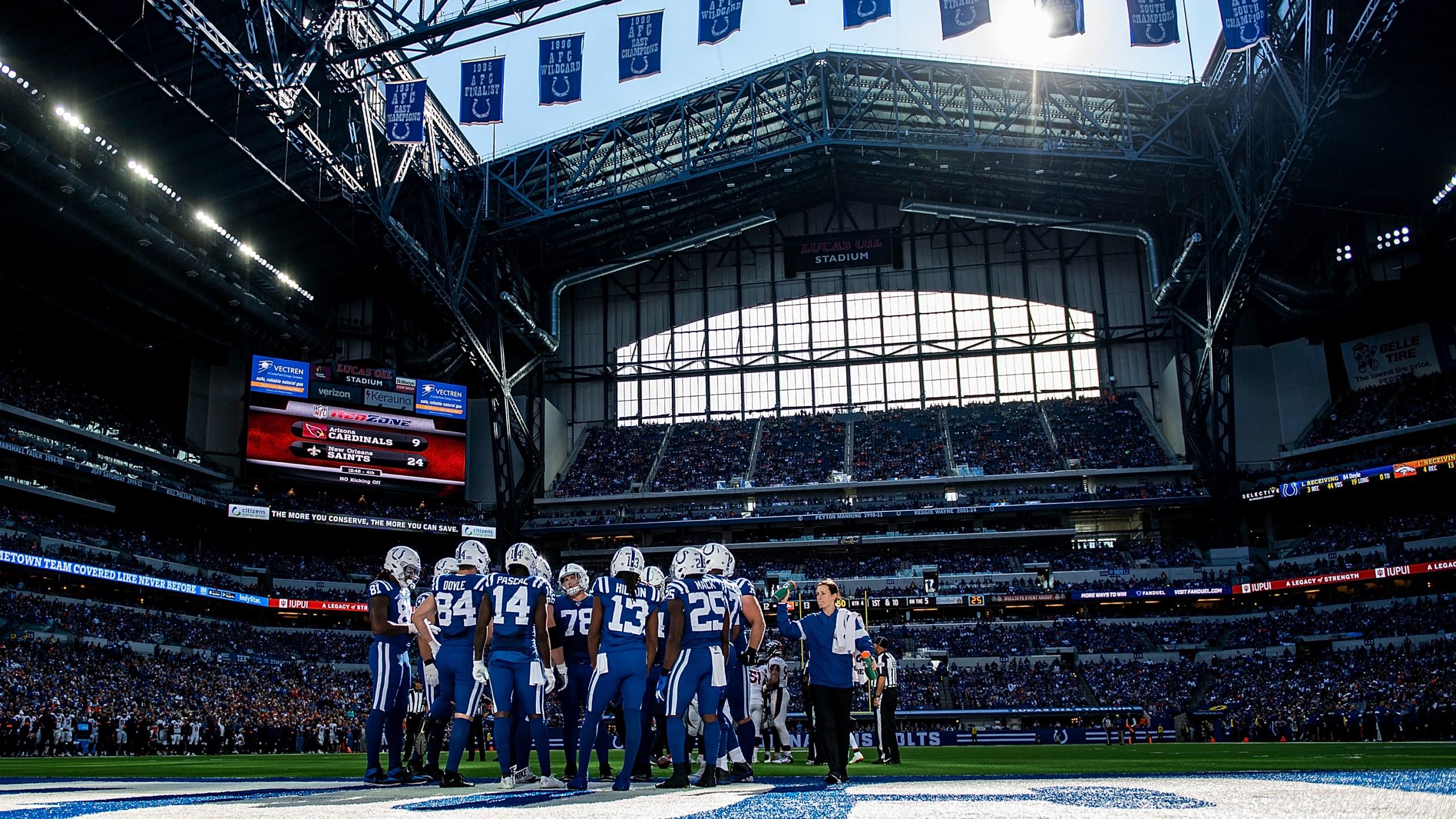 Indianapolis Colts at Lucas Oil Stadium