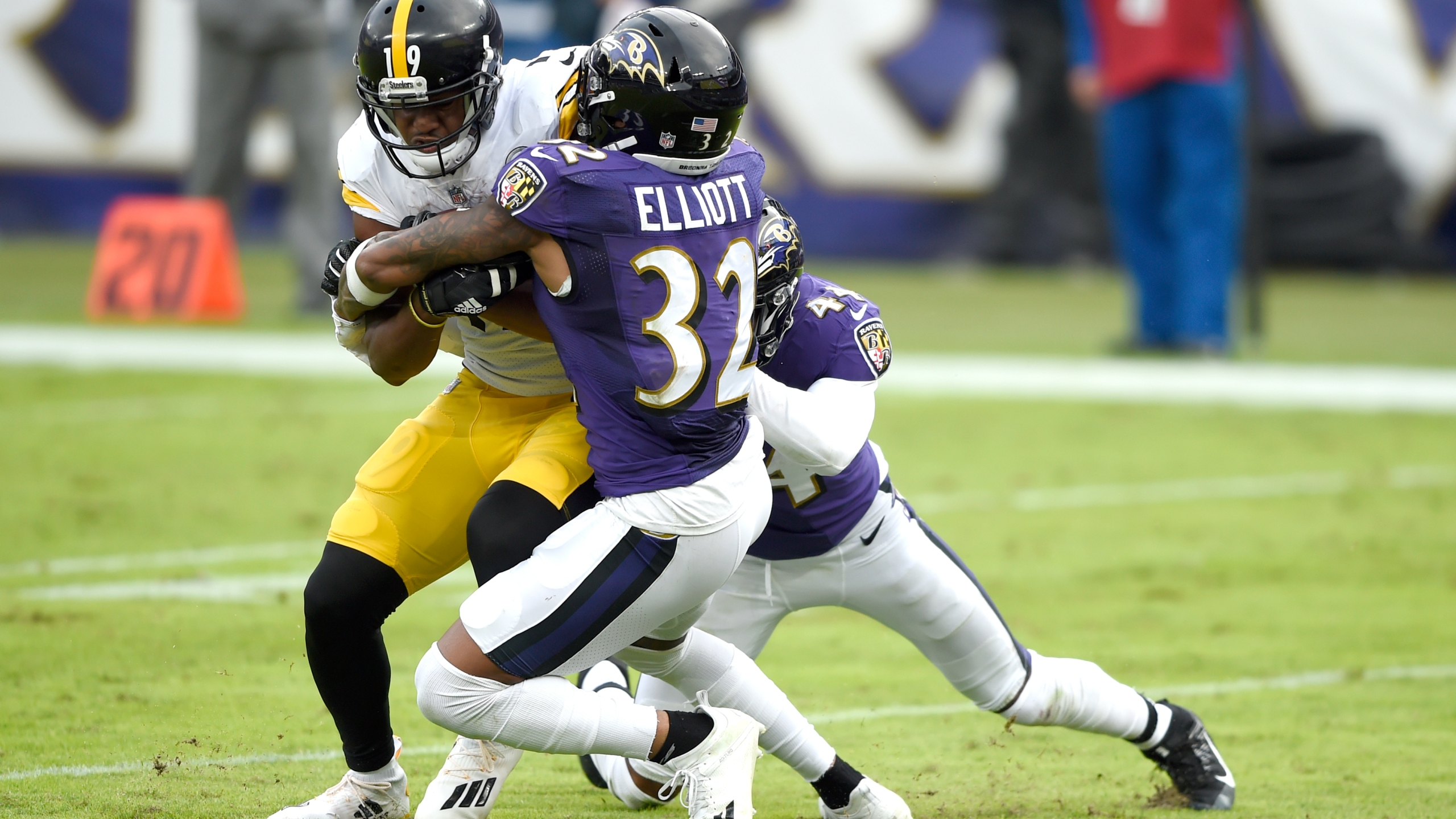 8 Baltimore Ravens Players Placed On Team S Covid 19 Reserve List Fox 59