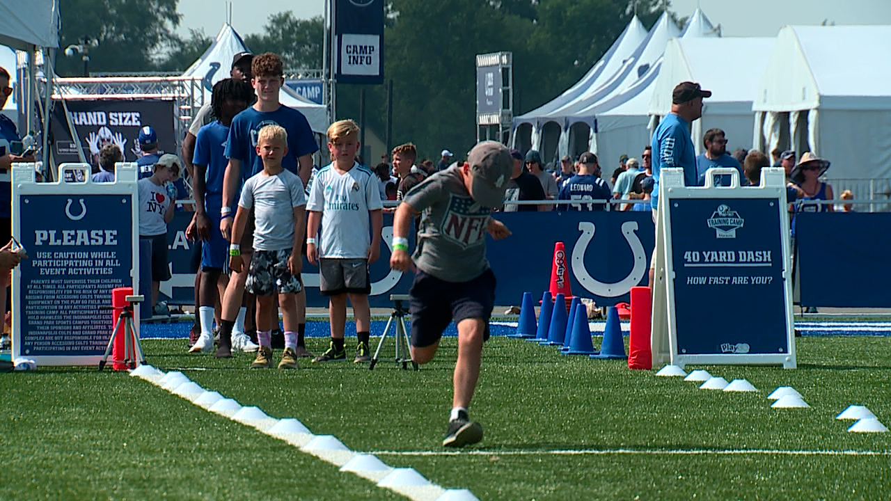 Colts training camp fans