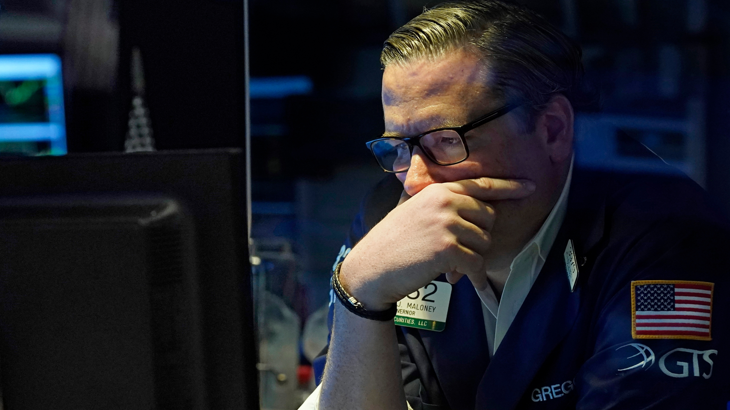 Investors dump stocks, buy bonds as COVID fears flare again