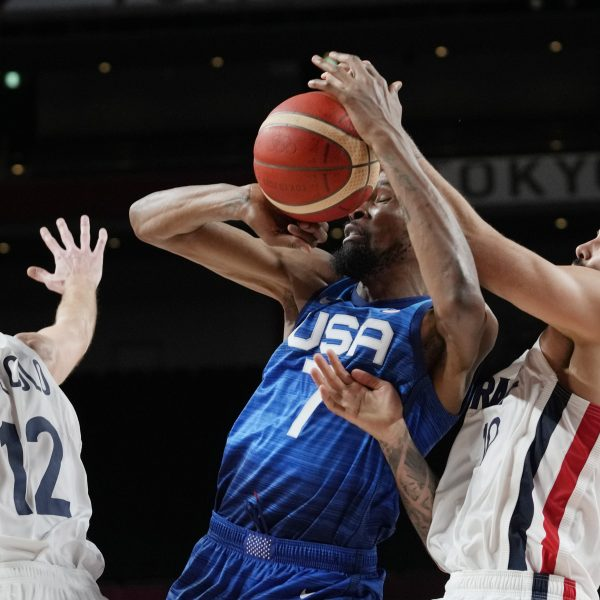 US basketball loses to France, 25-game Olympic win streak ends