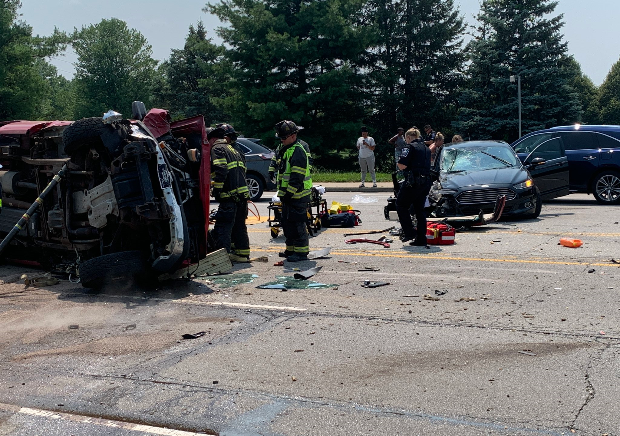 3 injured in 2-vehicle crash in Fishers