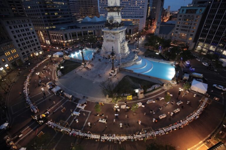 Kind Harvest 2019 event on Monument Circle in Indianapolis